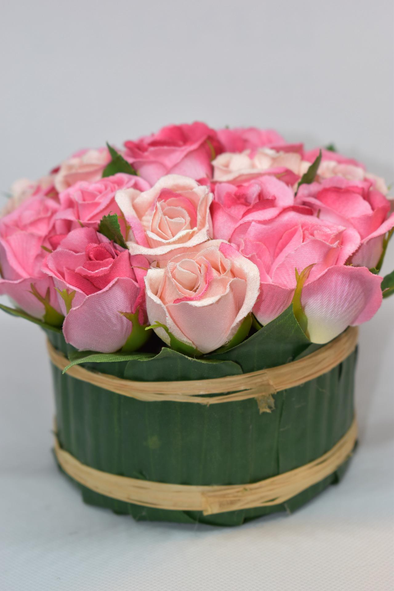 Korzyści z zakupu sztucznych kwiatów w hurtowni kwiatów sztucznych