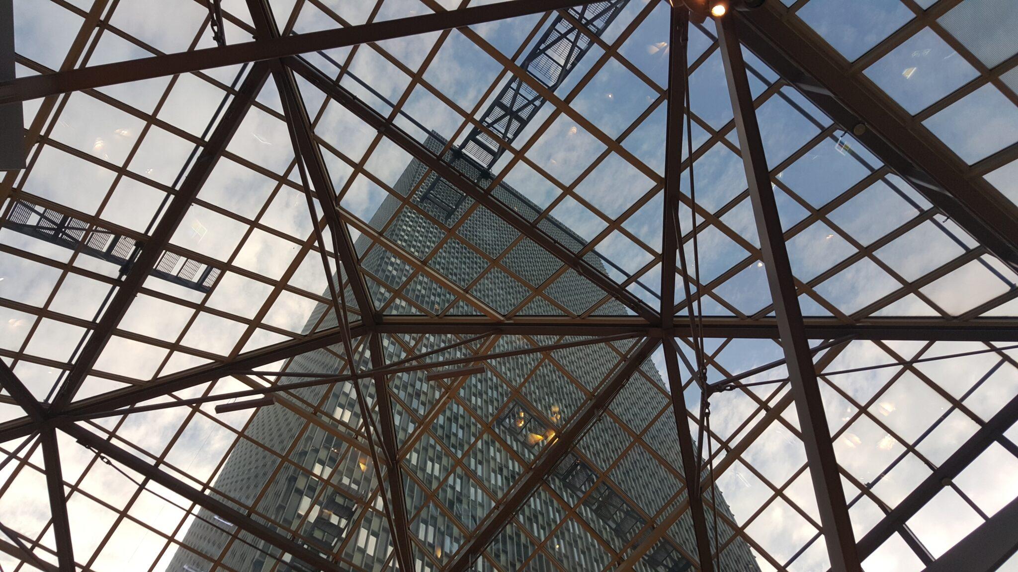 Konstrukcje stalowe – czym są i czy warto je wybrać?