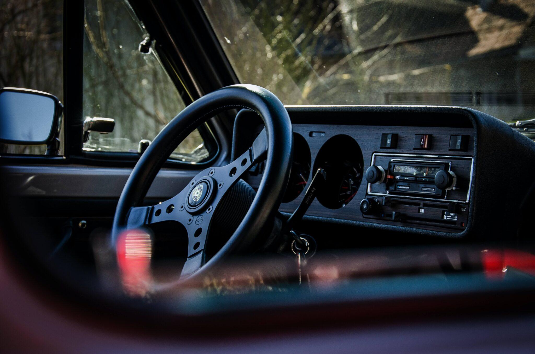 Radia samochodowe – jak wybrać takie, które będzie towarzyszyło nam latami?