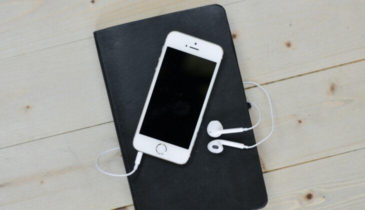 Recenzja smartfona Apple iPhone 12 64GB (Product)Red