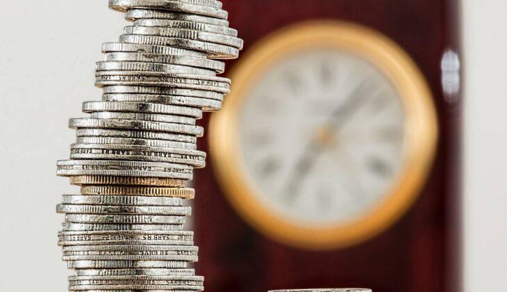 Kiedy biuro rachunkowe może korzystać ze zwolnienia z VAT